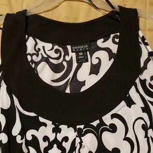Dresses & Skirts - Women flowing sleeveless dress. Size 18W